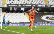 Ra sân từ ghế dự bị, Ronaldo lập cú đúp trong trận thắng 4-1