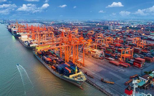Việt Nam xuất siêu hơn 17 tỷ USD